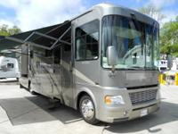 2005 Georgie Boy Cruise Master Luxura 36 Class A with 3