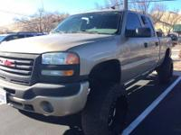 From city streets to back roads, this Gold 2005 GMC