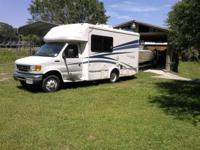 like new Yellowstone cruiser by gulf stream. full bath,