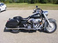 This Road King Custom has a beautiful gray paint task.