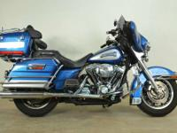 Very nice 2005 Electra Glide Classic. This bikes comes
