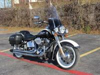 2005 HARLEY DAVIDSON SOFTAIL DELUXE (19834 miles )that