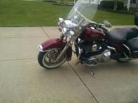 2005 HARLEY DAVIDSON ROAD KING CLASSIC. EXTRAS INCLUDE