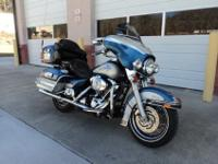 THIS IS A 2005 HARLEY DAVIDSON ULTRA CLASSIC. IT HAS