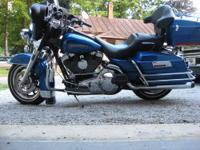 2005 Electra Glide Classic . 8000 miles fresh oil new