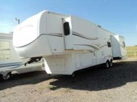 2005 Heartland Landmark 5th Wheel. This very nice 38