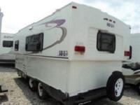 Travel Trailer w/Rear Queen Bed, Wardrobe, Shower,