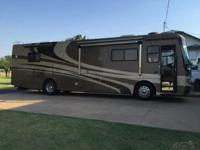 This 2005 Holiday Rambler Scepter 38PDQ is a fantastic