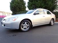 2005 Honda Accord Hybrid V6, Super nice and clean, 1