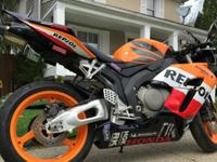 2005 REPSOL EDITION #218 0F 3000 IT IS A RARE BIKE. AND