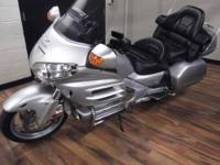2005 HONDA GL1800A GOLDWING. WITH 39927 MILES, SILVER