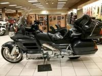 -LRB-620-RRB-431-1226. SALE-- Gold Wing2005 Honda Gold