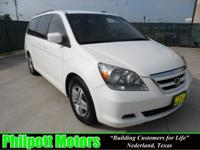 Options Included: N/A2005 Honda Odyssey white with