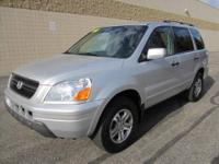 CHECK OUT THIS SPACIOUS 4-Dr 2005 HONDA PILOT EX-L 4x4