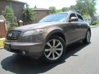 This 1/owner Carfax certifed Infiniti FX35 AWD is in