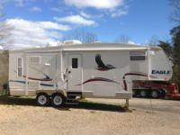 2005 Jayco Eagle 251RLS 5th Wheel. This Beautiful Fifth