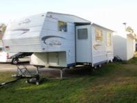 2005 Jayco Jay Flight 5th Wheel. 10000 or best offer