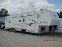 2005 Jayco Toy Hauler, 36 ft fifth-wheel with one