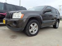 Options:  2005 Jeep Grand Cherokee Laredo 4Dr 4Wd