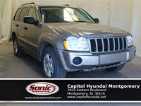 Scores 22 Highway MPG and 17 City MPG! This Jeep Grand