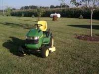 2005 John Deere L120 Riding Lawn Mower. Excellent