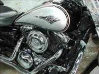 2005 Kawasaki Vulcan in Excellent Condition- - Black