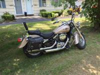 2005 Kawasaki Vulcan 800 Classic. Excellent condition.