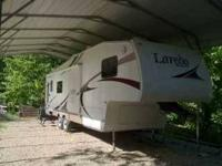 2005 Keystone Laredo 28RL 5th Wheel This is a very