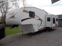 2005 Keystone Laredo Fifth Wheel WE ARE ALSO GIVING THE