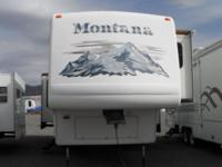 2005 Keystone Montana 3650RK Fifth Wheel. Beautiful