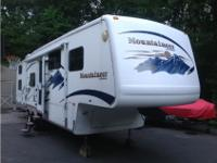 2005 Keystone Montana Mountaineer 319.5 BH, 2005