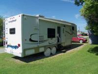 2005 Keystone Mountaineer 328RLS 5th Wheel This