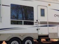 2005 Keystone Challenger M-29rkp Fifth Wheel. Clean and
