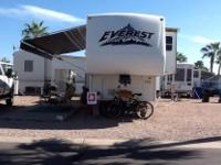 2005 Keystone Everest M343L 5th Wheel. On The Inside Of
