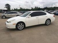 2005 Lexus ES 330. Navigation System Package