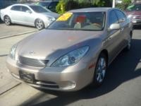 2005 Lexus ES 330 ** Leather! Sunroof! Low Miles! -Vin