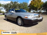 2005 LINCOLN TOWN CAR Our Location is: Autoway Lincoln