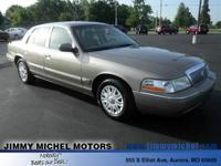 Exterior Color: beige, Body: Sedan, Engine: 4.6L V8,