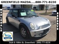 2005 MINI Cooper Base CARFAX(R)- ACCIDENT FREE !, POWER