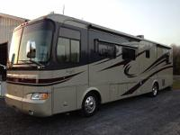 2005 Monaco Knight, 39000 miles, Length: 37ft,