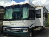 Pre-Owned 2005 Monaco Monarch SE Motor Home Class A