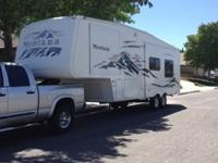 2005 Montana 2950rk Fifth Wheel Trailer 2 Slides Sleeps
