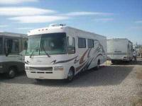 2005 National RV Dolphin This Class A recreational