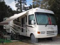 2005 National RV Sea Breeze M1350 Class A This amazing