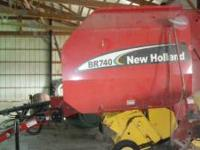 2005 New Holland Round Hay Baler BR740. In excellent