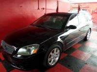 Options:  2005 Nissan Altima Come See Our Wide