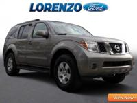 Options:  2005 Nissan Pathfinder Se
