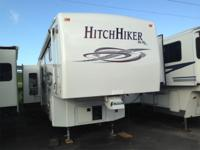 Pre-Owned 2005 Nu-Wa HitchHiker 38 LK Champagne Edition