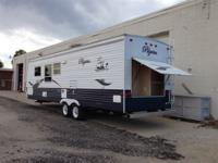 2005 Pilgrim 283RB Rear bath with corner bunks forward