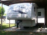 2005 Pilgrim This 5th wheel is fully self contained and